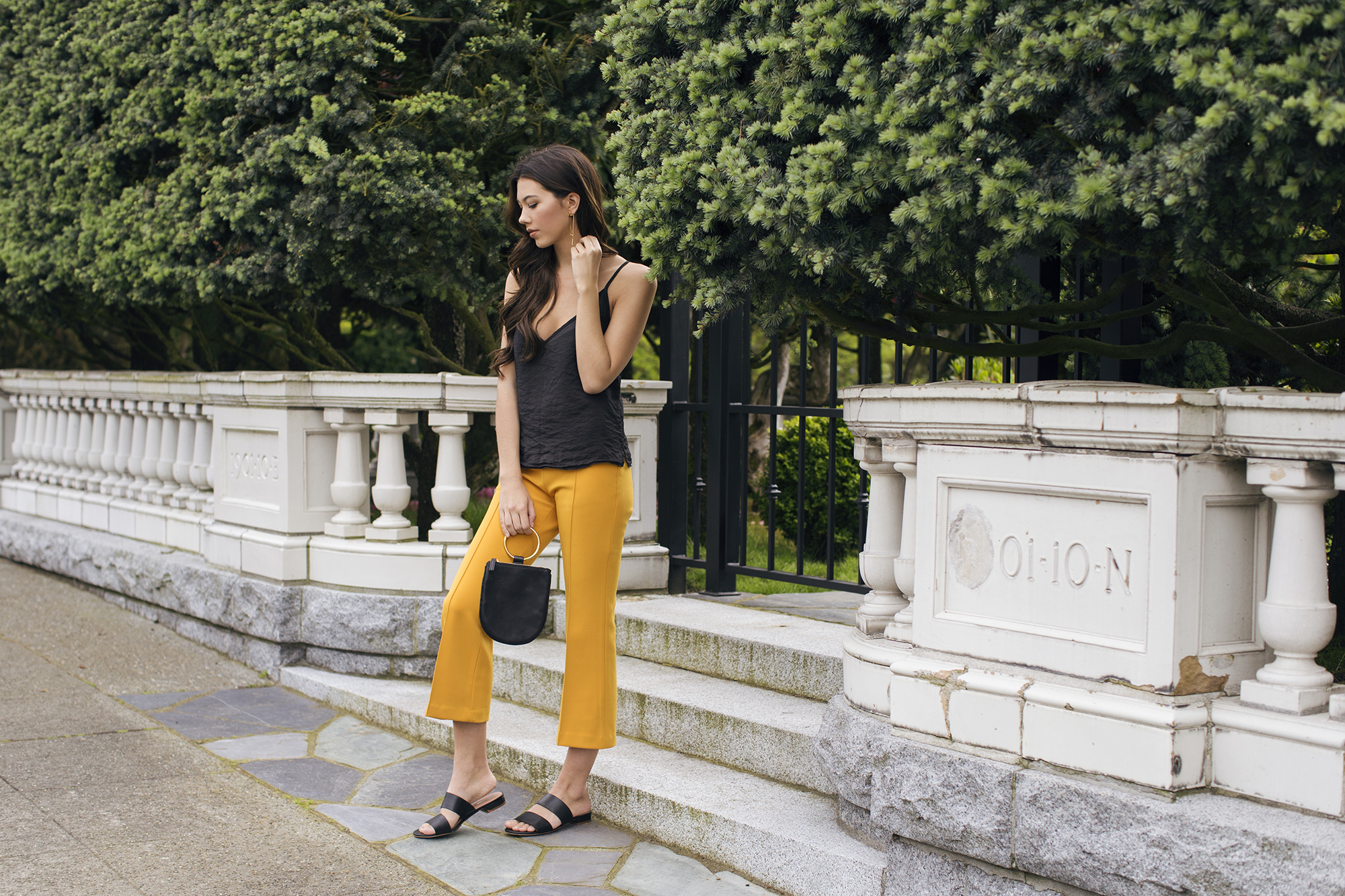 Washington DC Boutique Lynn Louisa photographed by Seattle Fashion photographer Michelle Moore