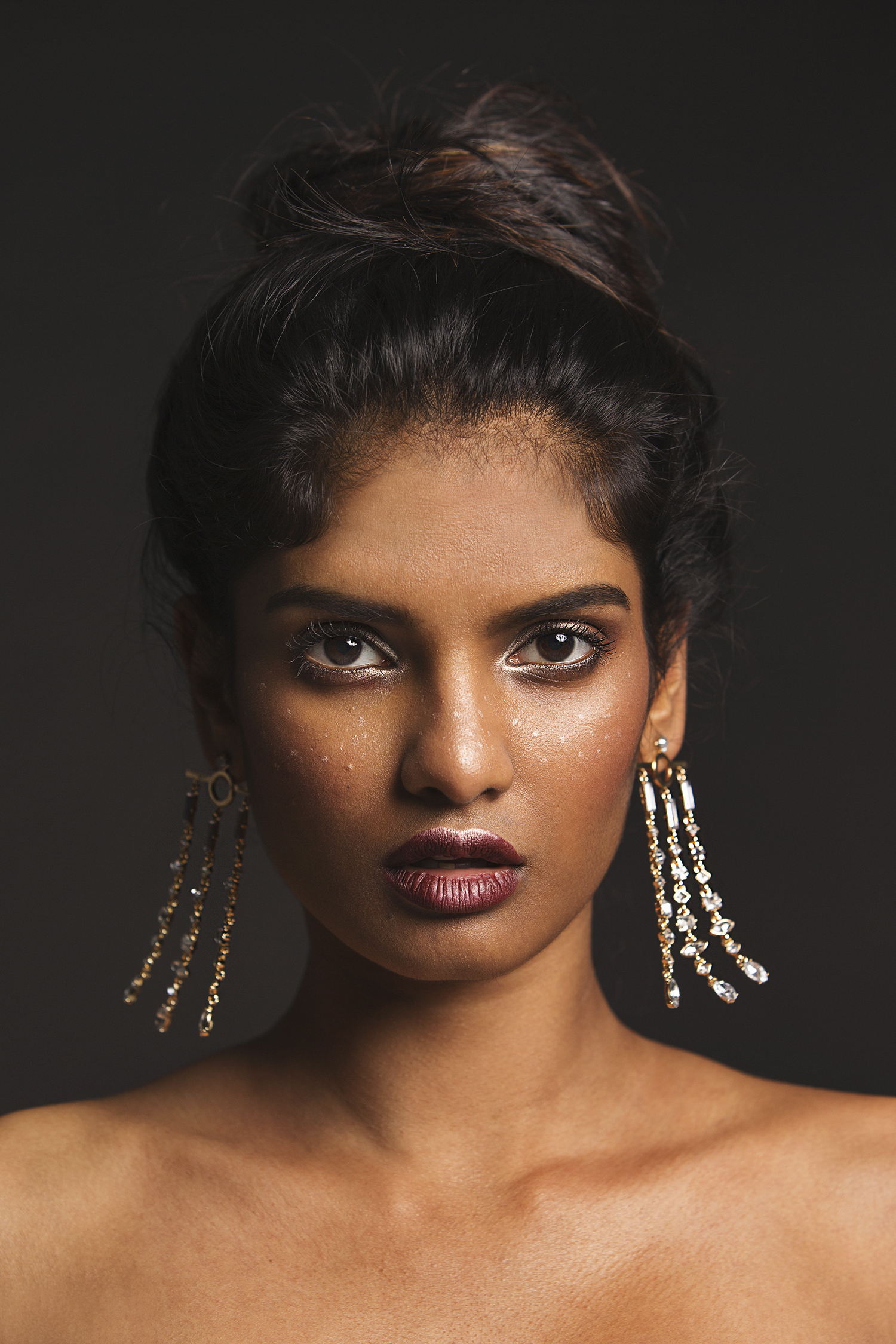 Seattle Fashion Jewelry Photographer in Studio with Priya from Heffner Management