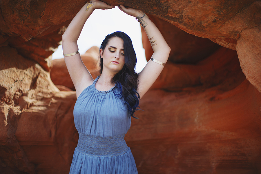 Amanda Markley wears Free People in the Valley of Fire state park photographed by Michelle Moore