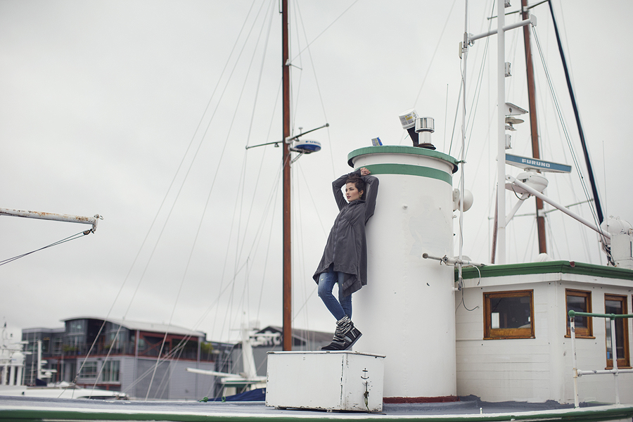 Horseshoe Lookbook by Seattle Photographer Michelle Moore at Tugboat Sally in Ballard