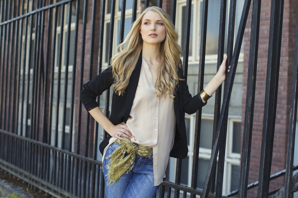 Cashmere Wrappings Scarf Lookbook photographed by Seattle Photographer Michelle Moore