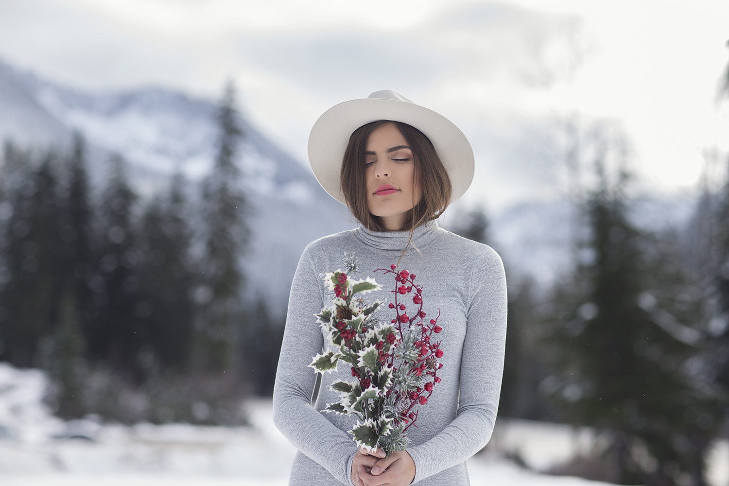 Leavenworth Winter Snow Photoshoot for Gentle Fawn by Seattle Fashion Photographer Michelle Moore